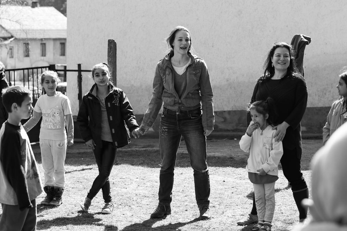 Mészáros Blanka Szúcson a gyerekekkel (Fotó: Brozsek Niki)